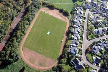Piste d'athlétisme, de cross et le terrain de football/rugby